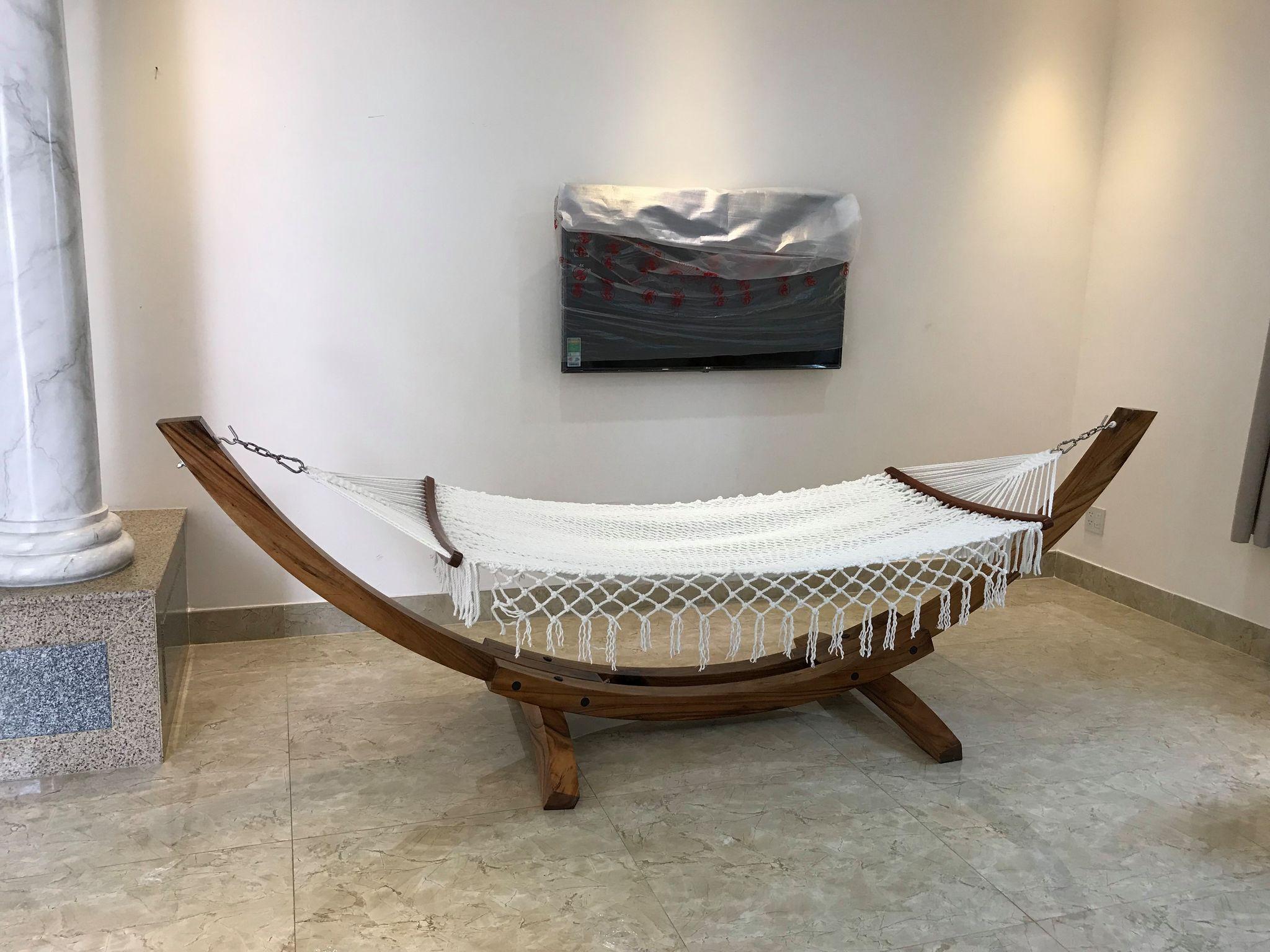 Võng gỗ huyện Hóc Môn tôn lên vẻ đẹp của không gian nhà bạn